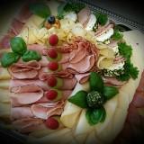 käse-wurst-schinkenplatte-gemischt